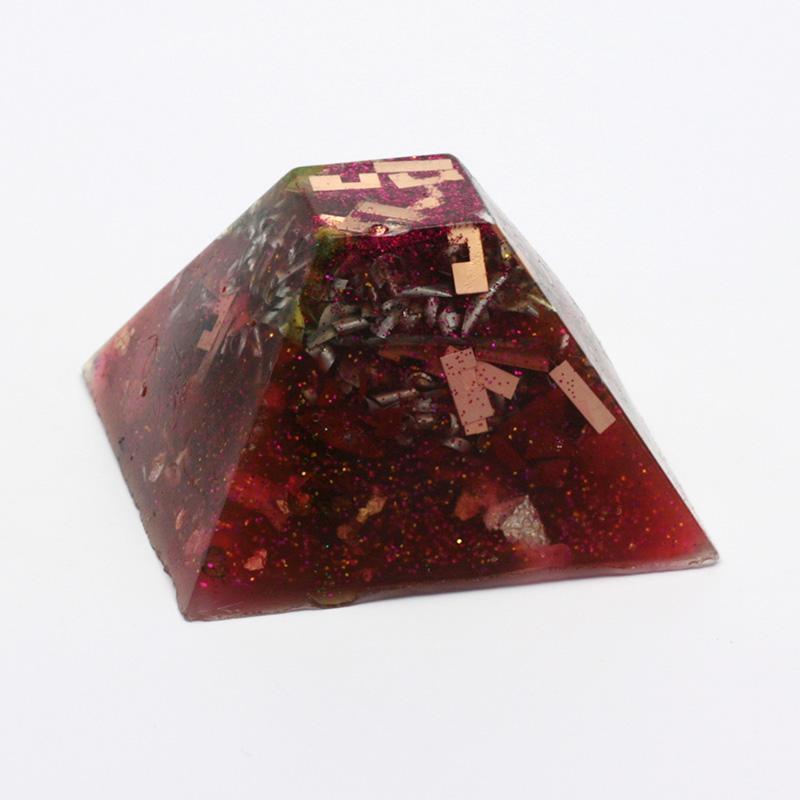 ostatní Orgonit střední - pyramida 1 ks, 4-8 cm