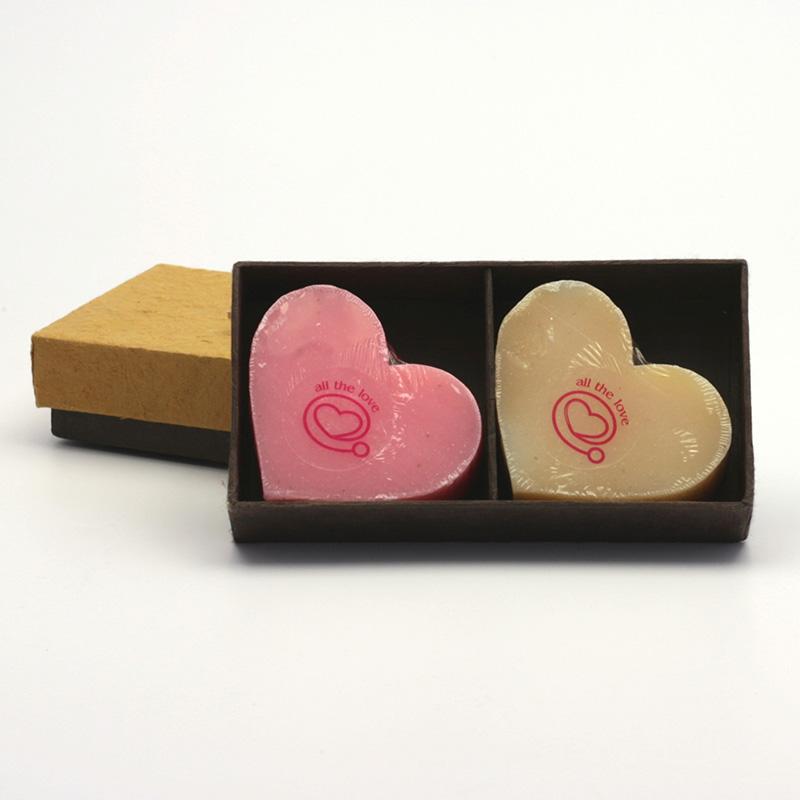 Přírodní mýdlo Dárkový set dvou mýdel, tvar srdce 2 ks, 140 g