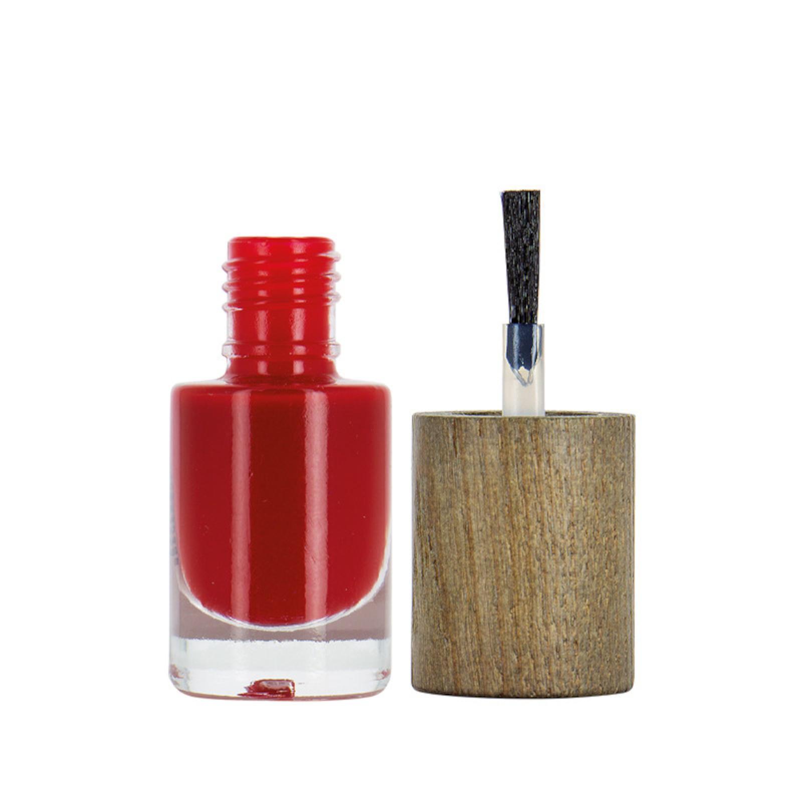 Boho Green Make-Up Lak na nehty Revolution 15 6 ml