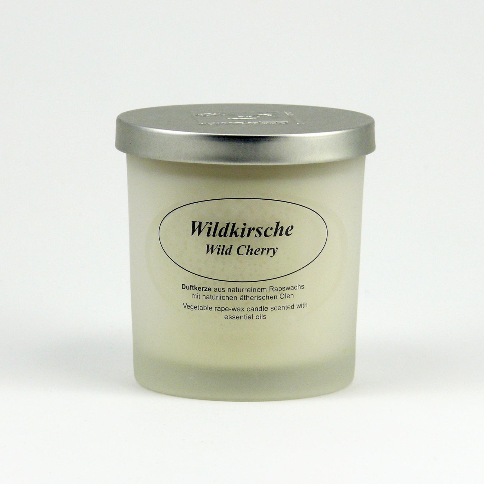 Kerzenfarm Přírodní svíčka Wild Cherry, mléčné sklo 8 cm