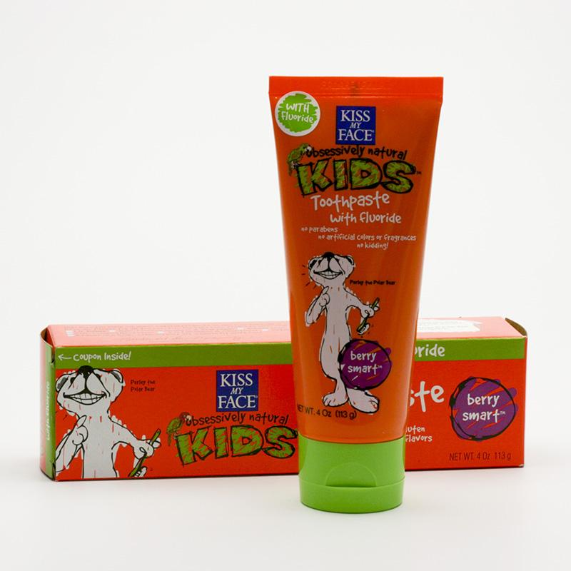Kiss My Face Corp. Zubní pasta dětská s flouridem, lesní plody 96 g