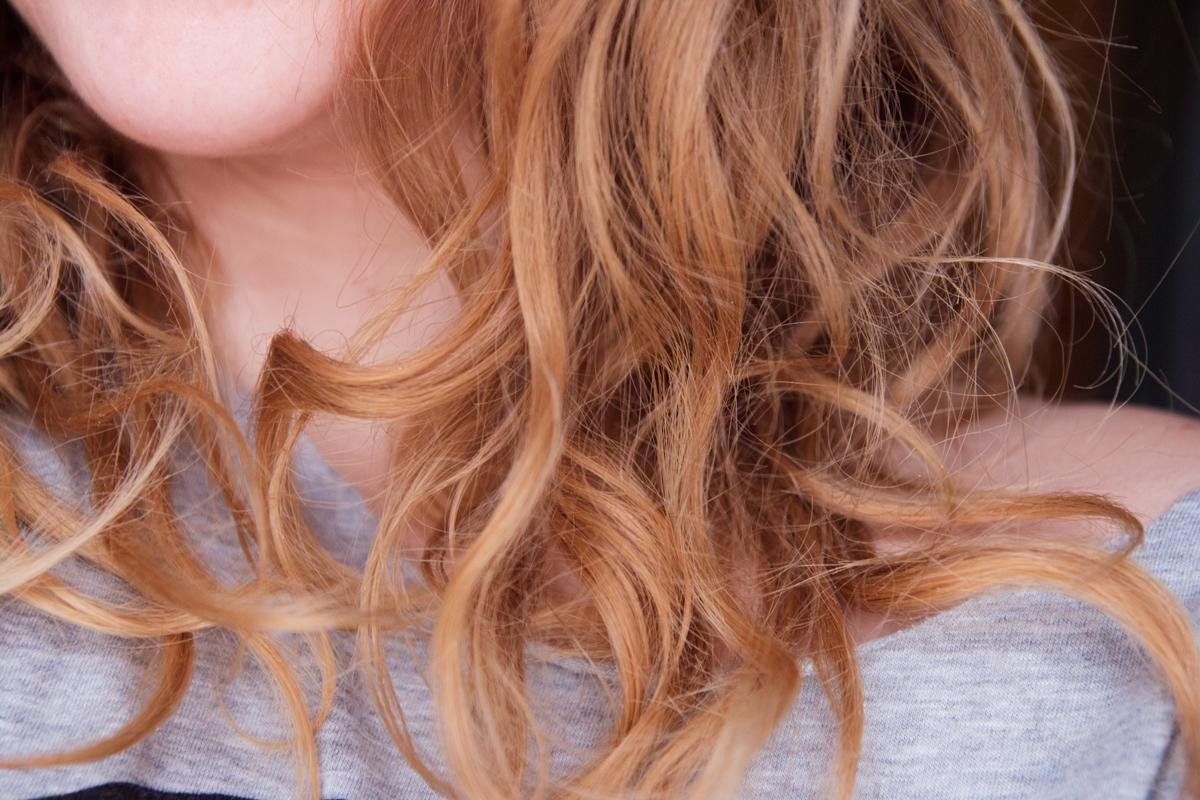 5 tipů, jak se vypořádat s elektrizujícími vlasy