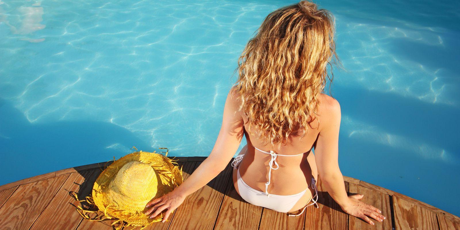 Co potřebují vlasy v létě?