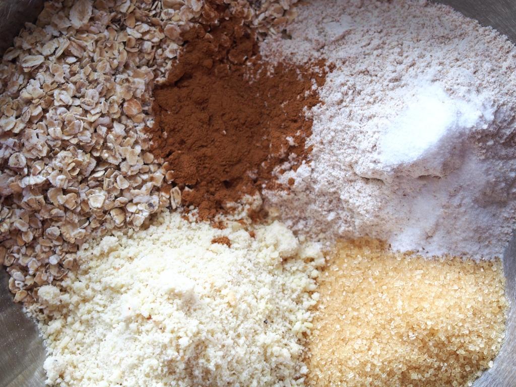 Ovesné sušenky s goji, rozinkami a melasou