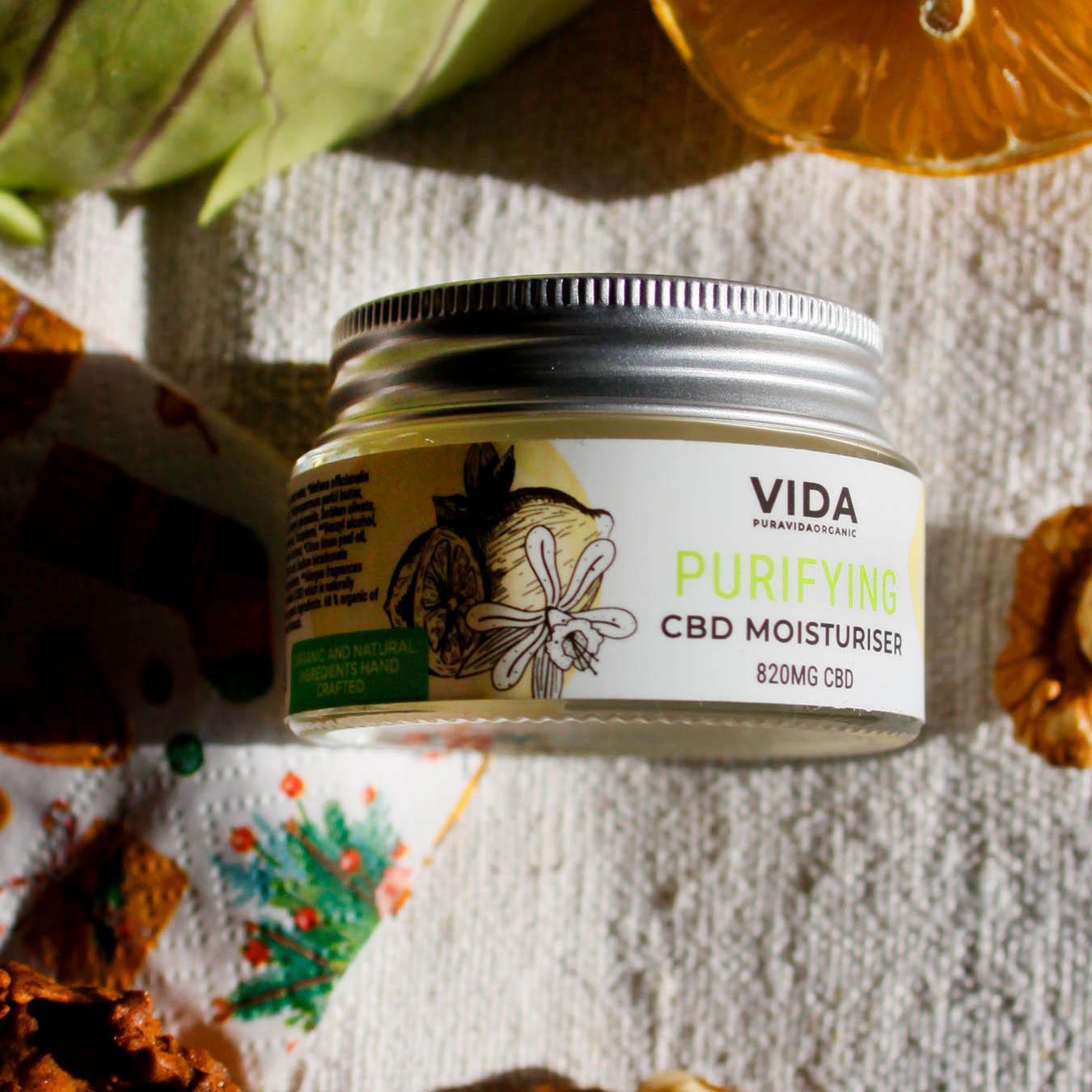 Purifying CBD moisturiser od Pura Vida Organic