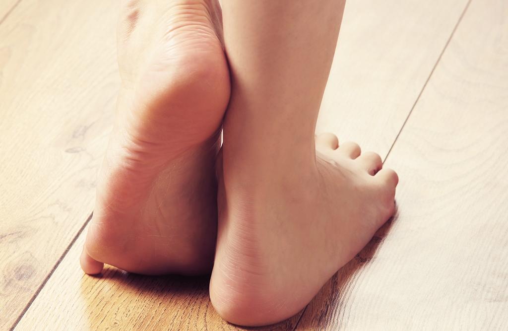 Jak na popraskanou kůži na patách?