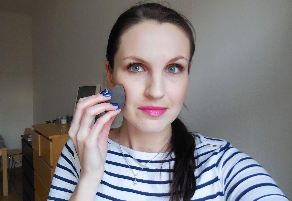 Jak nanášet tekutý make-up