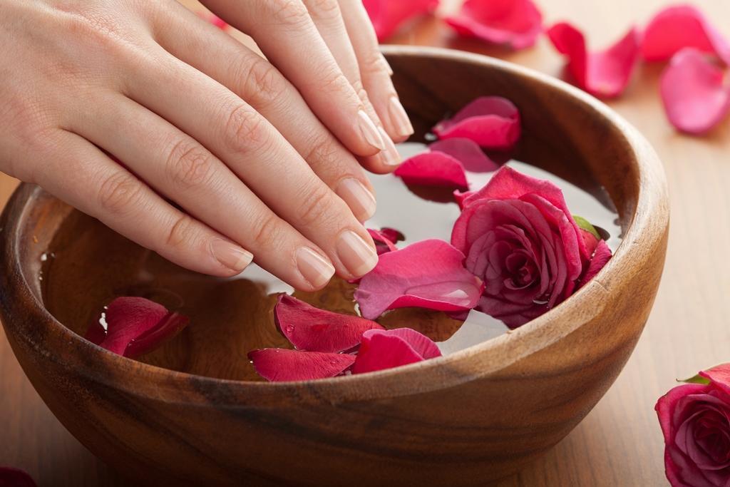 Jak pečovat o nehty a nehtovou kůžičku nejen v zimě