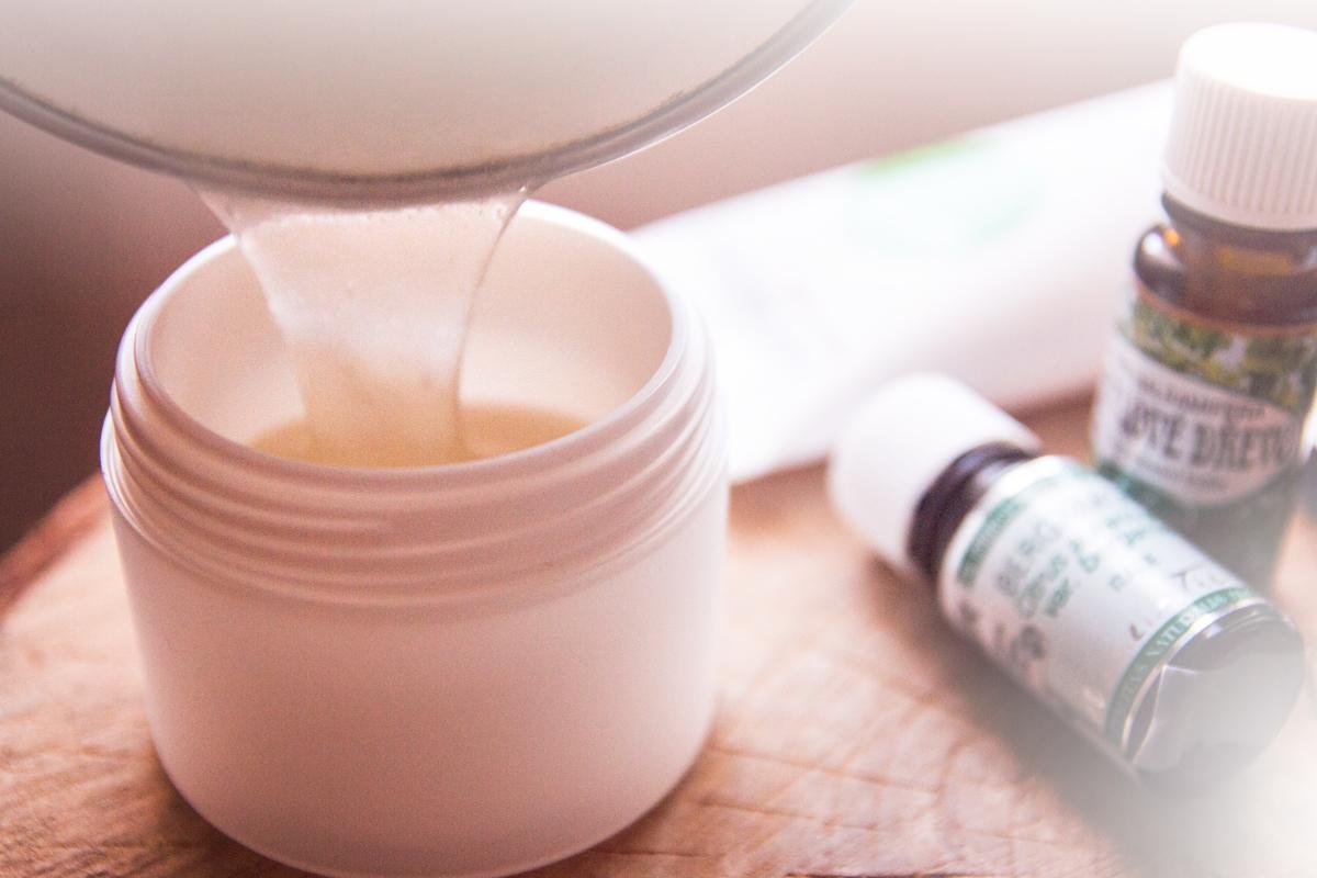 Jak si vyrobit vlasový gel ze 3 ingrediencí