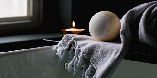 5 druhů koupelí, které potřebujete zkusit