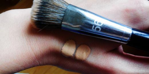 Jak vybrat správný odstín make-upu