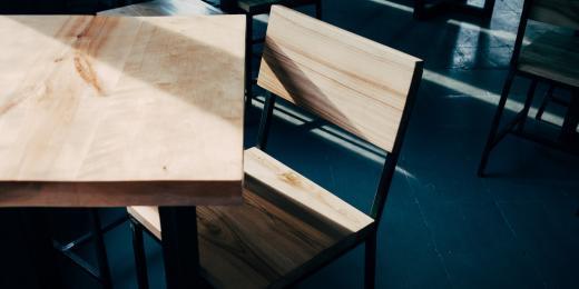 Přírodní péče o dřevěné povrchy ve vaší domácnosti