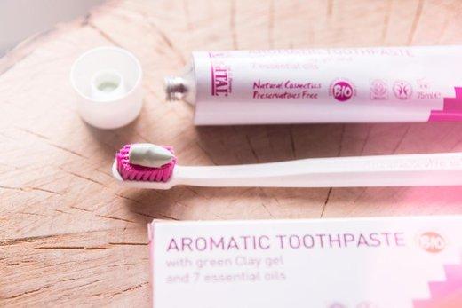 Recenze: Aromatická zubní pasta se 7 esenciálními oleji (Argital)