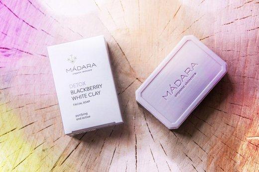 Recenze: Čistící pleťové mýdlo Detox (Mádara)