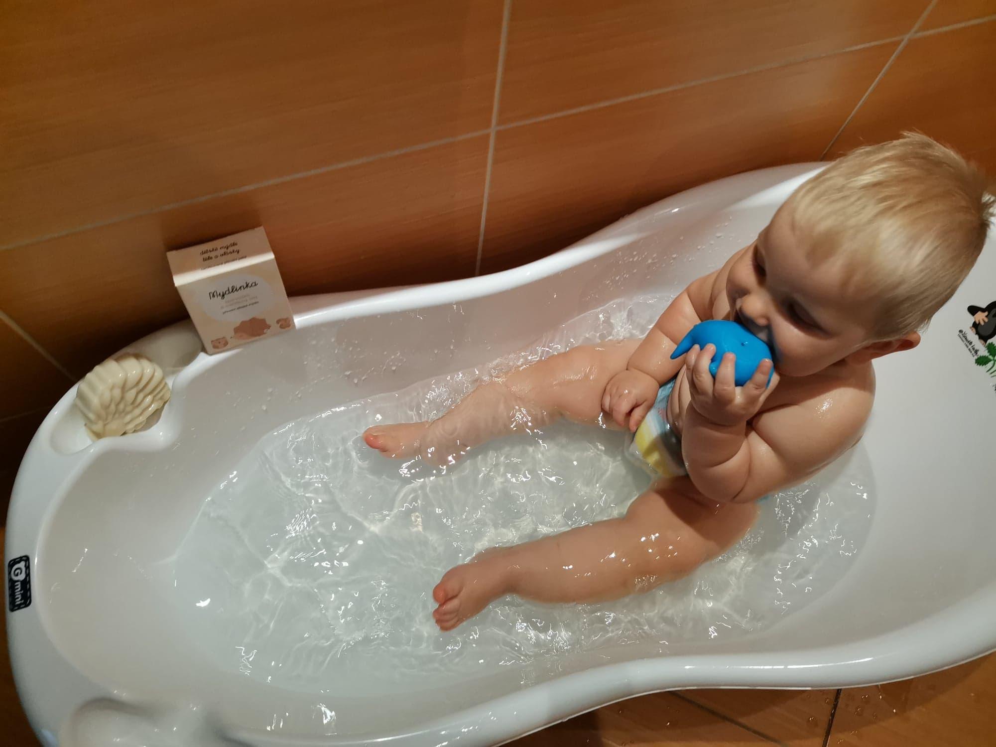 Dětské přírodní mýdlo s kozím mlékem na vlastní kůži