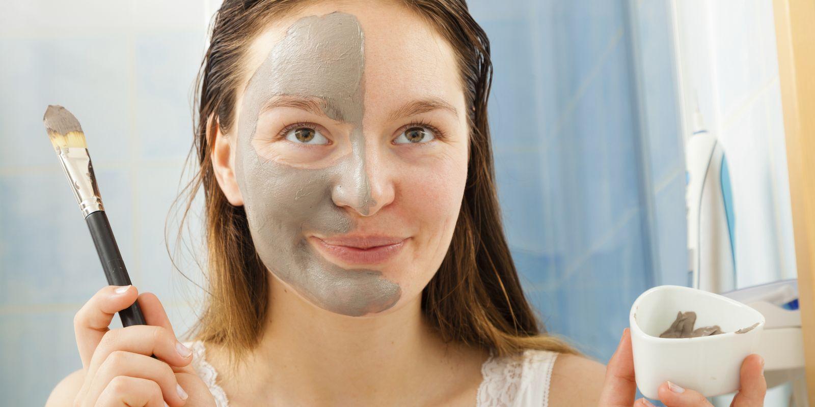 Přidejte si do slovníku i do koupelny: peelingová maska