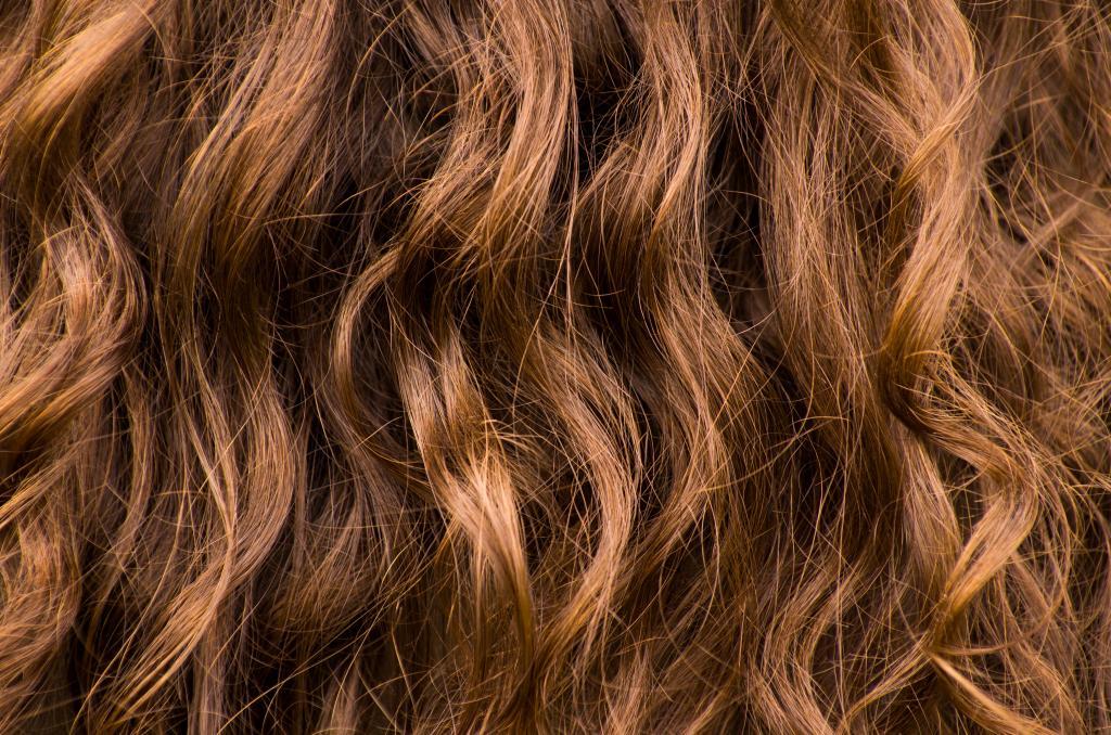 Přírodní barvy na vlasy