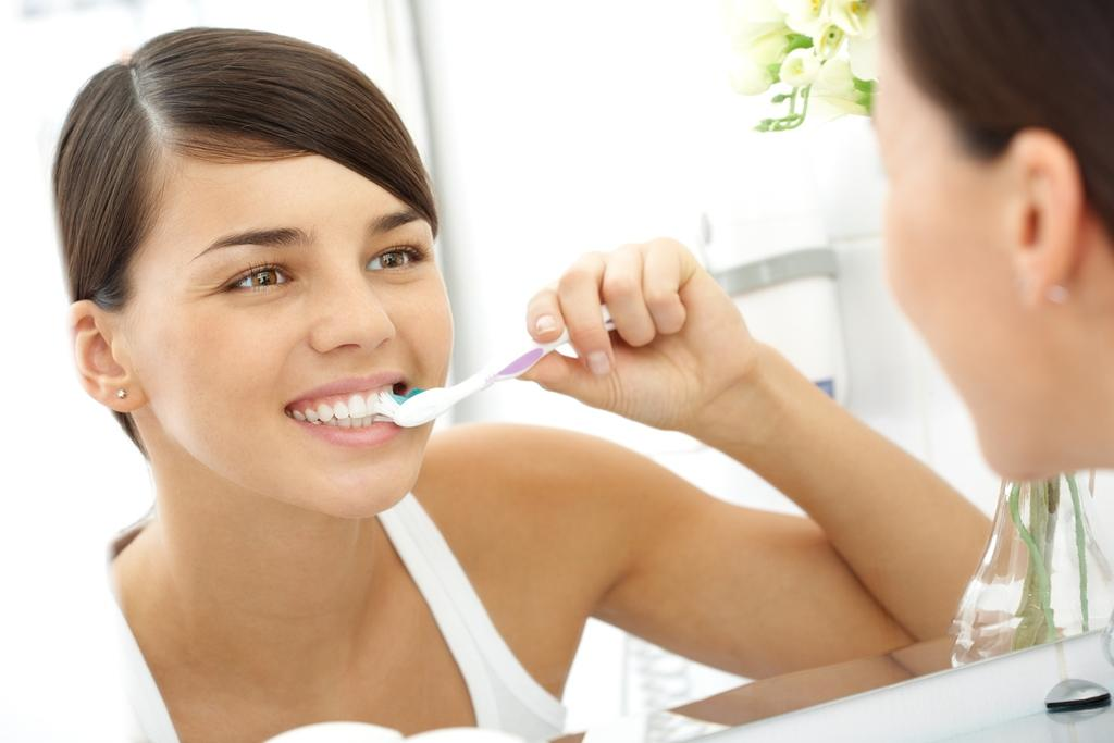 Co způsobuje zabarvení zubů?