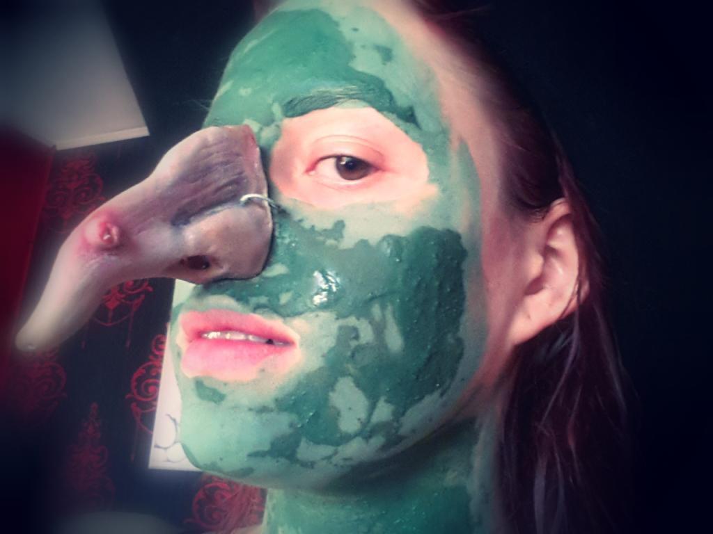 Recenze: Ajurvédská pleťová maska aneb Speciální čarodejnický díl