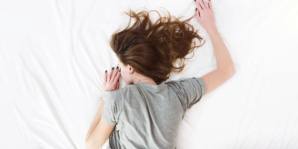 únava, jarní únava, spánek, energie, bez energie, postel, nechce se mi