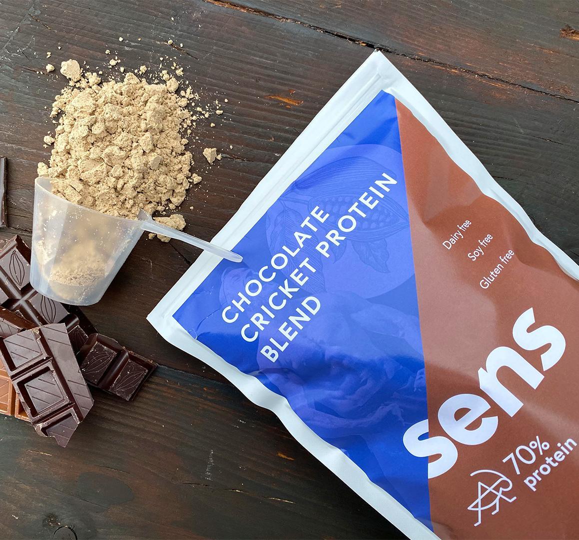 Čokoládový protein s cvrččí moukou od Sens