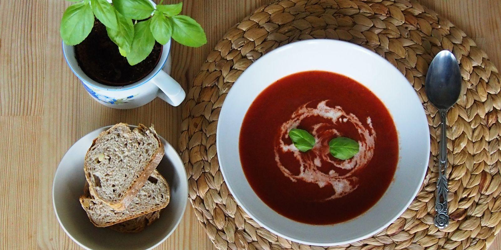 Sezónní polévka z červené řepy