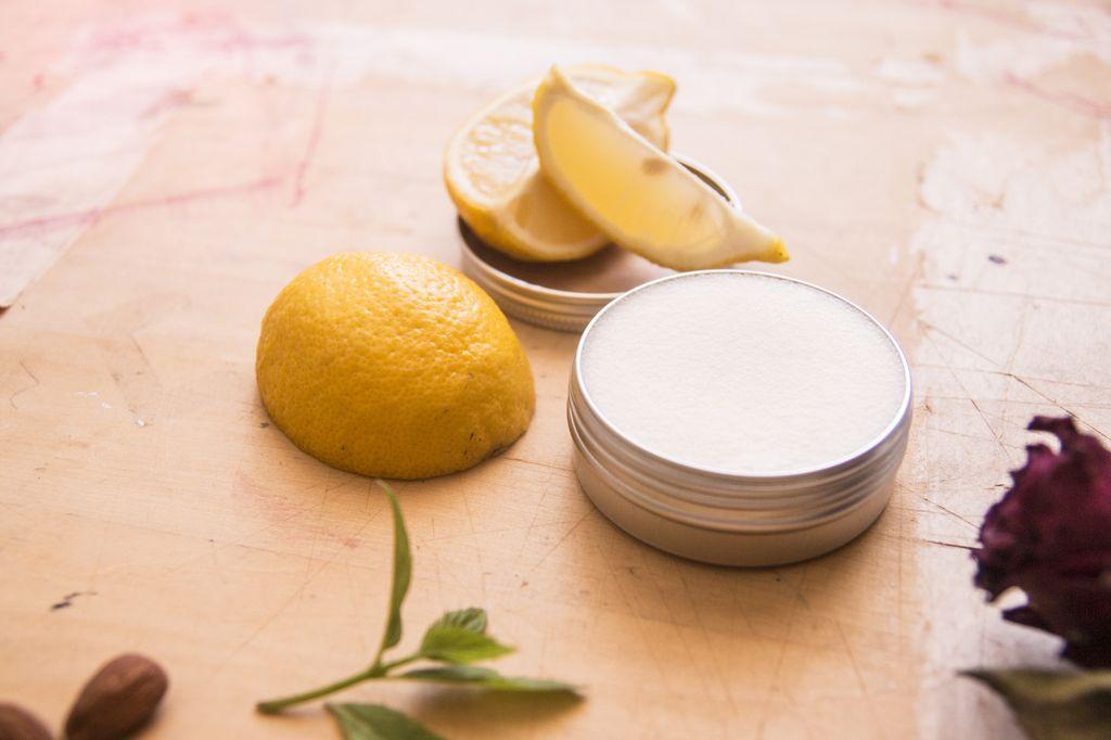 Sportique: Bambucké máslo s citronovým olejem