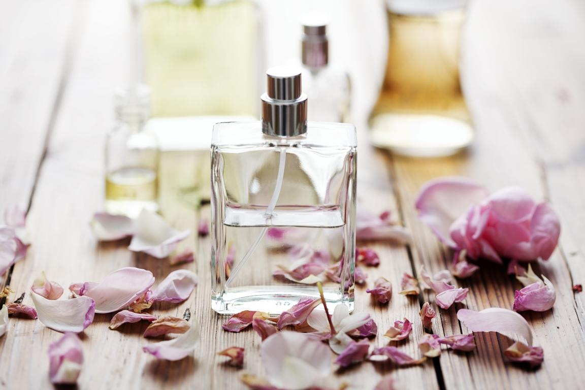 Přírodní olejový parfém