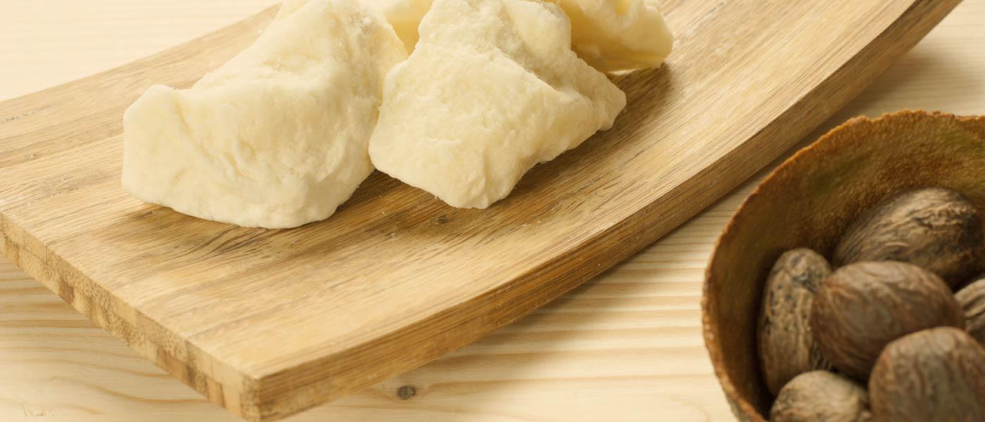 Poznejte výhody odličování s mlékem Lavera!