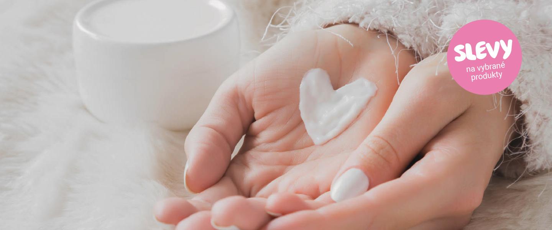 Ruka ruku myje i maže