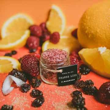 Almara Soap Scrub na rty, Juicy Lips 22 g