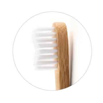 Humble Brush Dětský zubní kartáček Ultra Soft (bílý) 1 ks